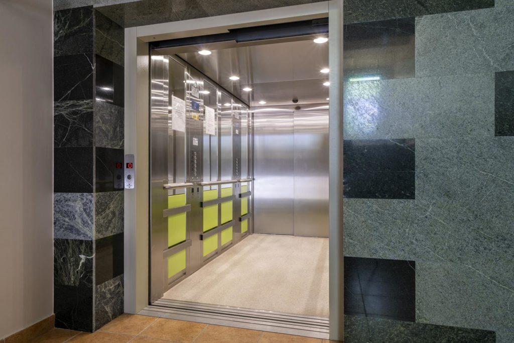 Ośrodek Medyczny SAMARYTANIN winda